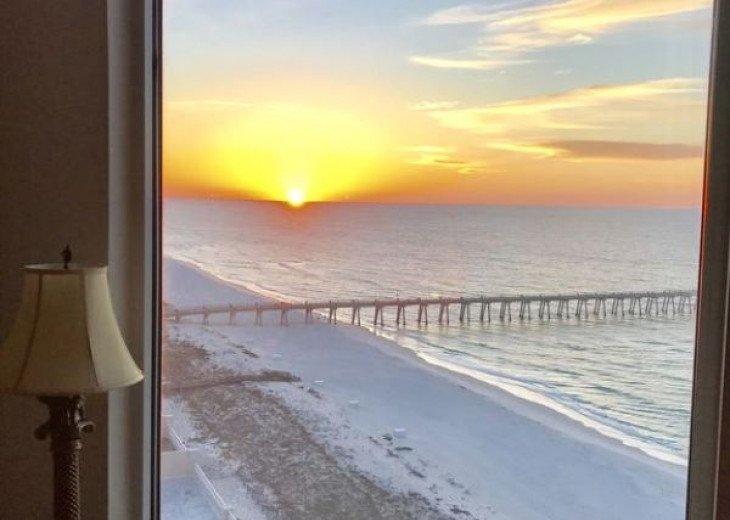 Beach Colony East, Magnificent 17th Floor Penthouse Views, directly beachfront #43