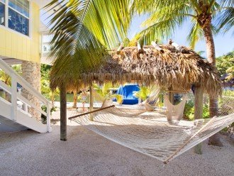 CHIKEE HUT & HAMMOCKS
