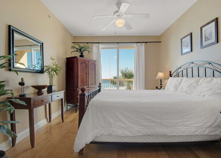 2nd Floor, wood floors, New TVs/Beds, best views, 1King, 3Full, 1Twin #10