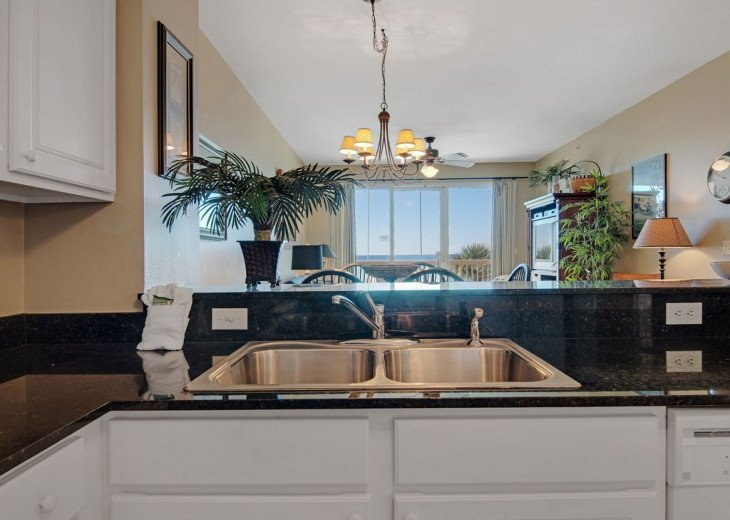 2nd Floor, wood floors, New TVs/Beds, best views, 1King, 3Full, 1Twin #2