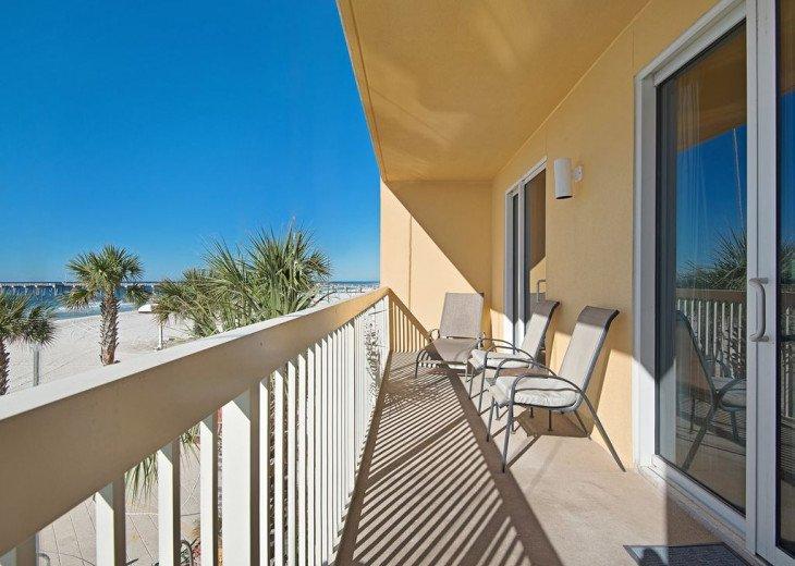 2nd Floor, wood floors, New TVs/Beds, best views, 1King, 3Full, 1Twin #22