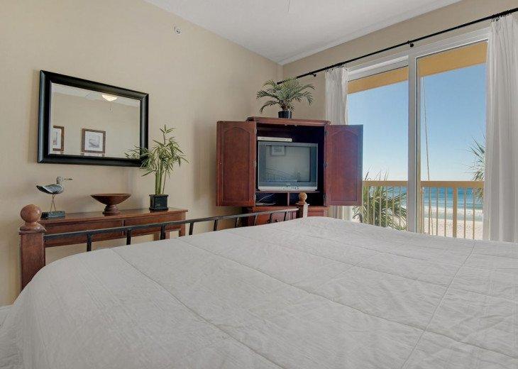 2nd Floor, wood floors, New TVs/Beds, best views, 1King, 3Full, 1Twin #6