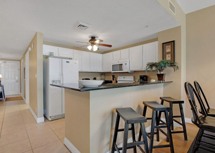 2nd Floor, wood floors, New TVs/Beds, best views, 1King, 3Full, 1Twin #17