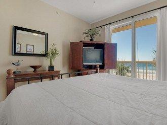 2nd Floor, wood floors, New TVs/Beds, best views, 1King, 3Full, 1Twin #1