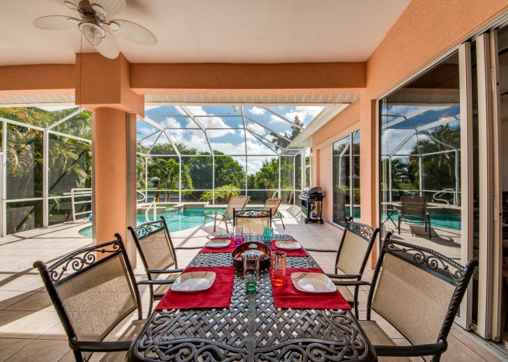 Villa Happy Hour - Affordable Waterfront Home - Heated Pool and Spa #9