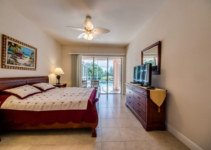 Villa Happy Hour - Affordable Waterfront Home - Heated Pool and Spa #31