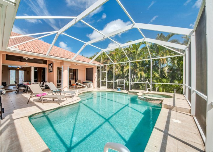 Villa Happy Hour - Affordable Waterfront Home - Heated Pool and Spa #6
