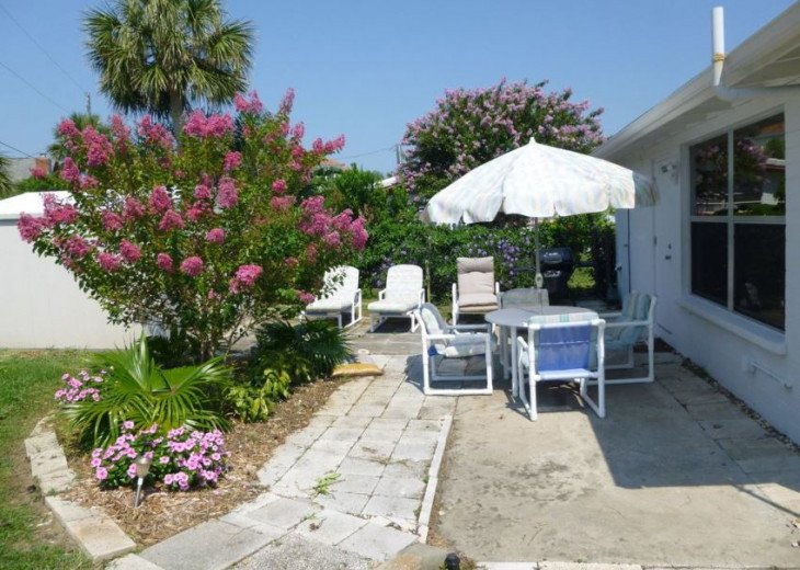 Walk to the beach from this peaceful, pet friendly, hideaway #17