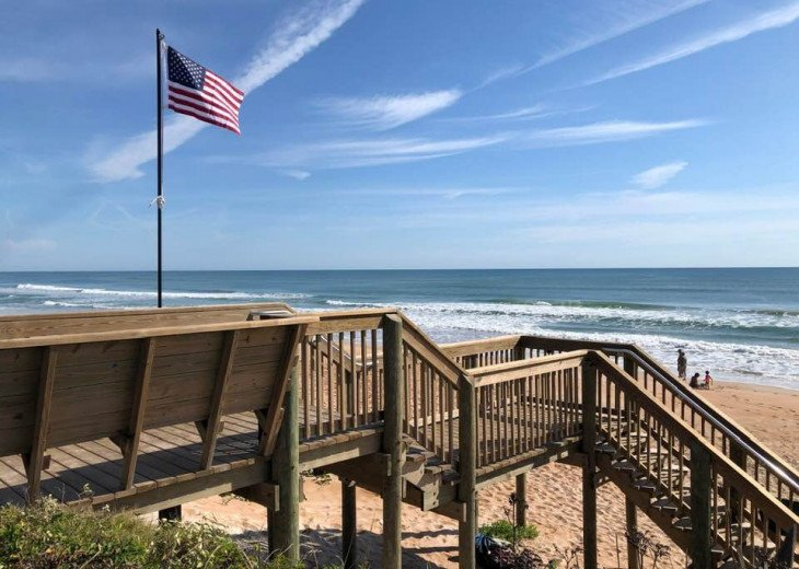 Walk to the beach from this peaceful, pet friendly, hideaway #35