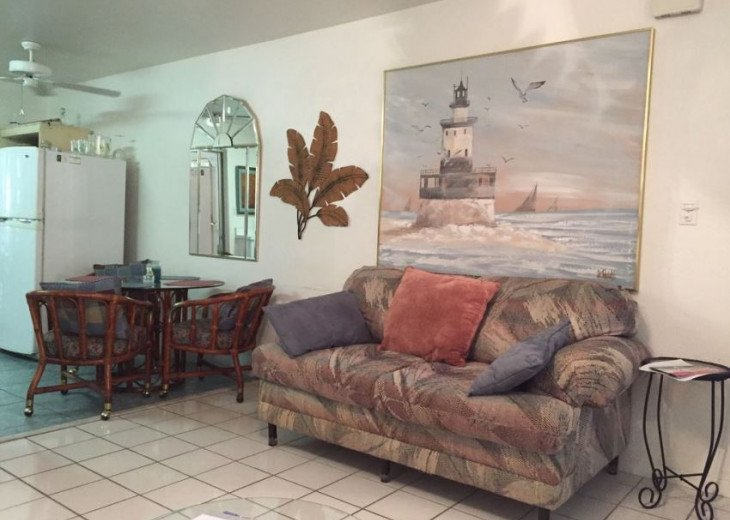 Walk to the beach from this peaceful, pet friendly, hideaway #8