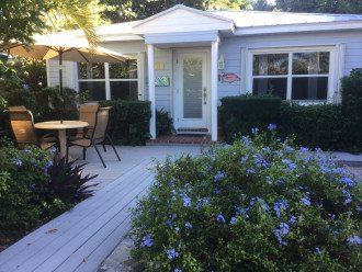 Seaside Cottage - Just steps away from the beach