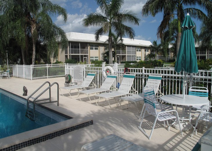 Large 2 Bedroom Across From the Beach - BEACHVIEW. #15