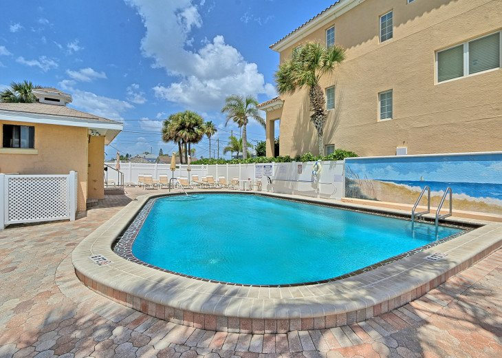 Collwood Condos Direct Beach View #31