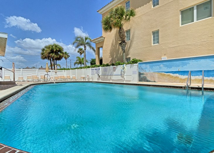 Collwood Condos Direct Beach View #37