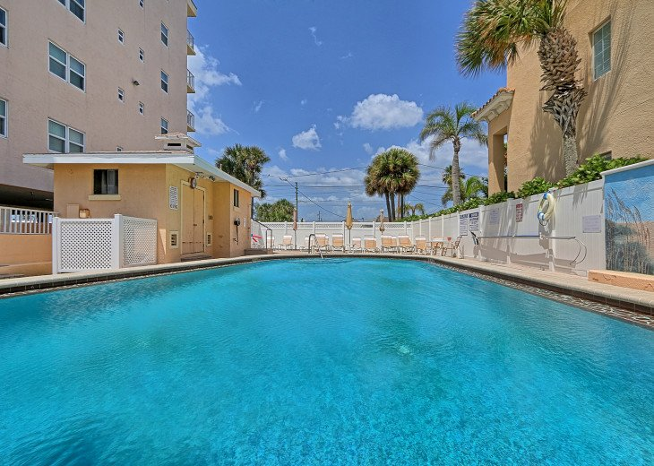 Collwood Condos Direct Beach View #43