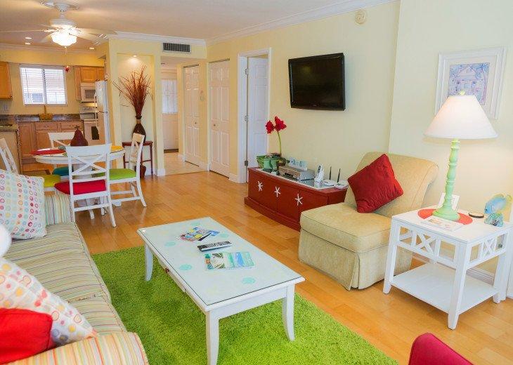 Dans Florida Condos - 1 bedroom 1 bath (Private Beach Access) Runaway Bay #19