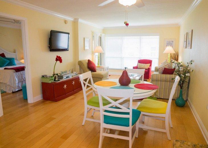 Dans Florida Condos - 1 bedroom 1 bath (Private Beach Access) Runaway Bay #15