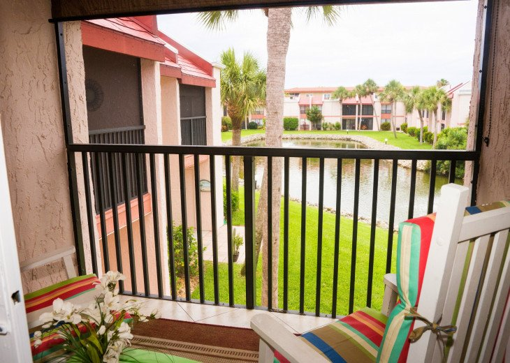 Dans Florida Condos - 1 bedroom 1 bath (Private Beach Access) Runaway Bay #10