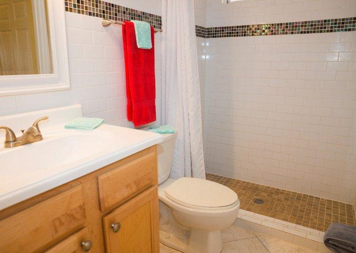 Dans Florida Condos - 1 bedroom 1 bath (Private Beach Access) Runaway Bay #25