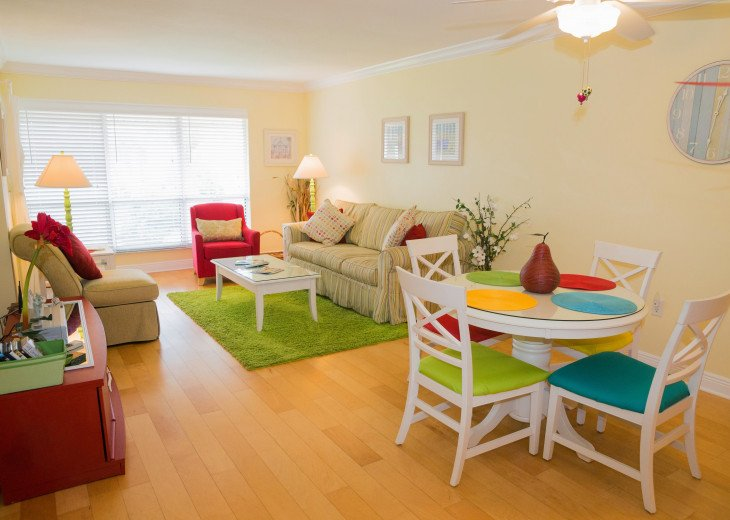 Dans Florida Condos - 1 bedroom 1 bath (Private Beach Access) Runaway Bay #6