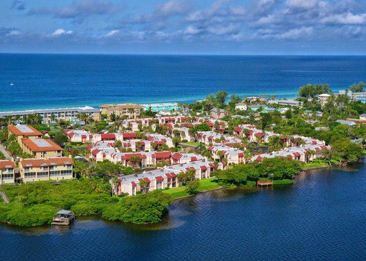 Dans Florida Condos - 1 bedroom 1 bath (Private Beach Access) Runaway Bay #20