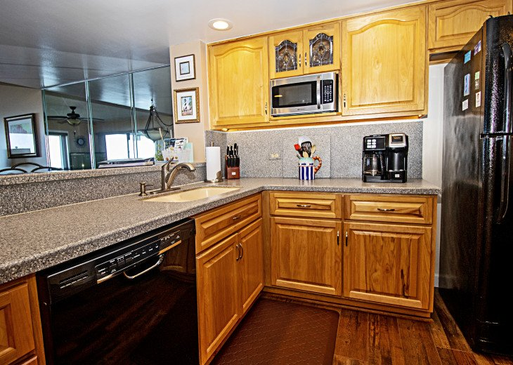 Beautiful Well Equipped Kitchen Just Bring Your Food to Cook or Not