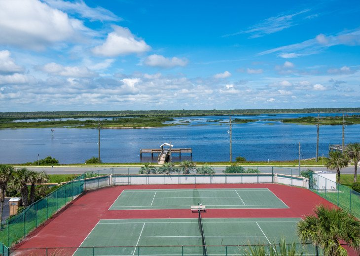 Tennis Courts on Intracoastal Waterway