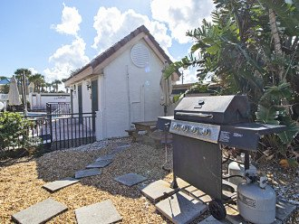Communal Gas Grill & Picnic Table & Car Wash Area