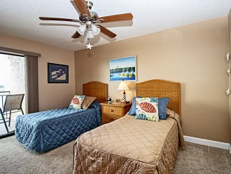 2nd Guest Bedroom with Twin Beds & Balcony on Intracoastal