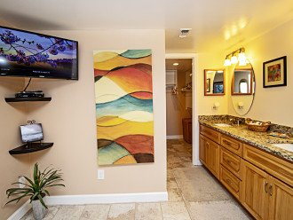 32in Wall Mounted TV, Ensuite Double Vanity Granite Counters/Hickory Cabinets