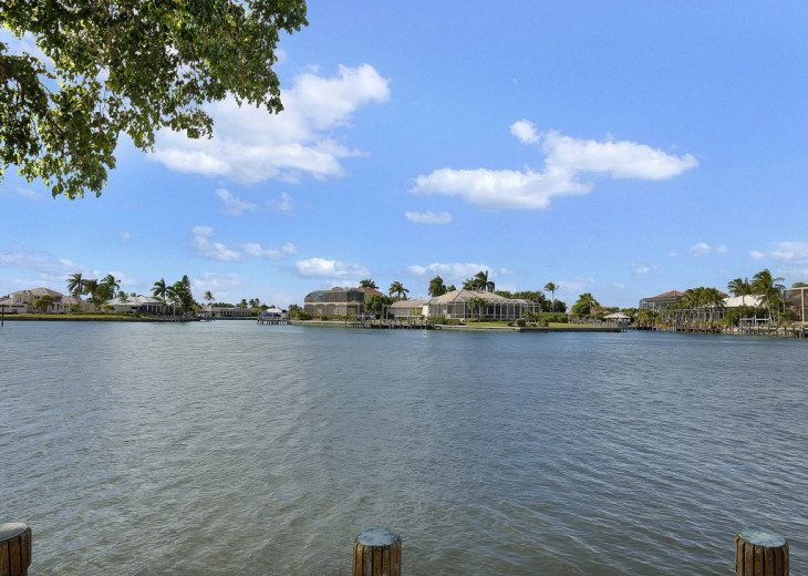 ~~LARGE HOME WITH FANTASTIC WATERVIEW & SUNSETS~~ #23