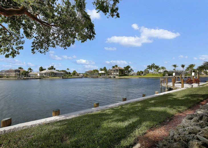 ~~LARGE HOME WITH FANTASTIC WATERVIEW & SUNSETS~~ #22