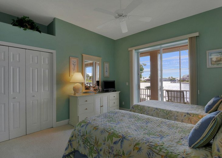 ~~LARGE HOME WITH FANTASTIC WATERVIEW & SUNSETS~~ #16