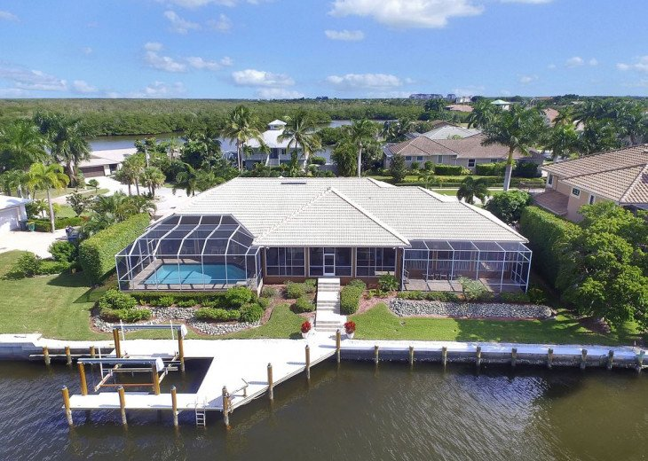 ~~LARGE HOME WITH FANTASTIC WATERVIEW & SUNSETS~~ #4