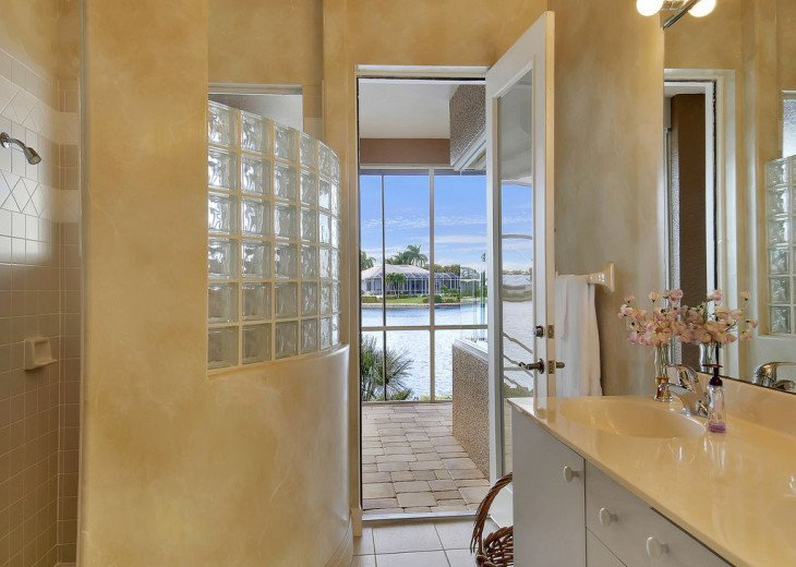 ~~LARGE HOME WITH FANTASTIC WATERVIEW & SUNSETS~~ #19