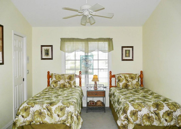 ~ Spacious Waterfront 4 Bedroom with Large Heated SW Facing Pool ~ #6