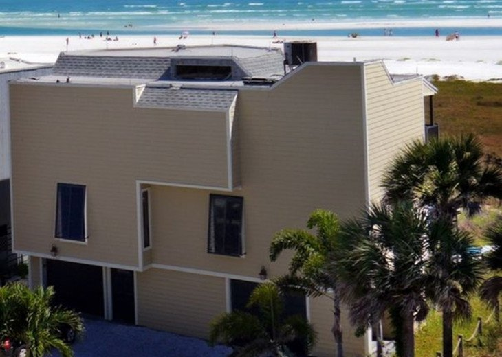 Luxury Beach House, 2 Bedrooms + roll away 2 1/2 Baths, Maximum 5 allow #2