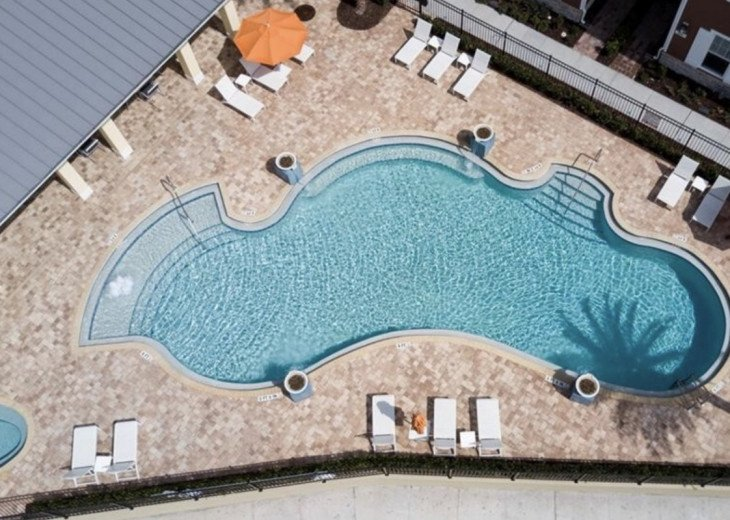 Gorgeous Modern Luxurious W/ pool, hot tub, fitness centre mins away from Disney #15