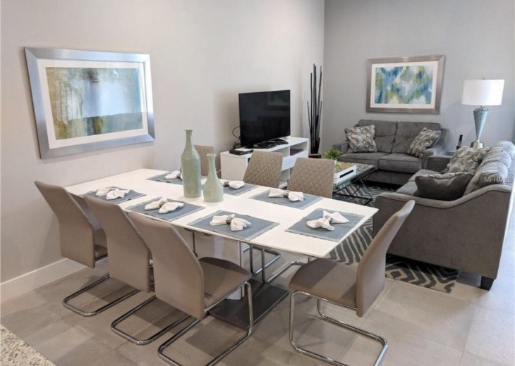 Gorgeous Modern Luxurious W/ pool, hot tub, fitness centre mins away from Disney #1