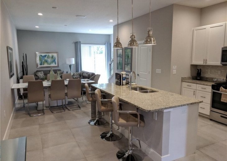 Gorgeous Modern Luxurious W/ pool, hot tub, fitness centre mins away from Disney #3