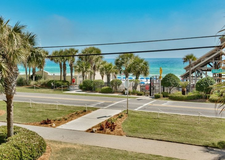 Prime Location Leeward Key 2 bdr. Sleeps 6 -2 pools One on Beach! #21