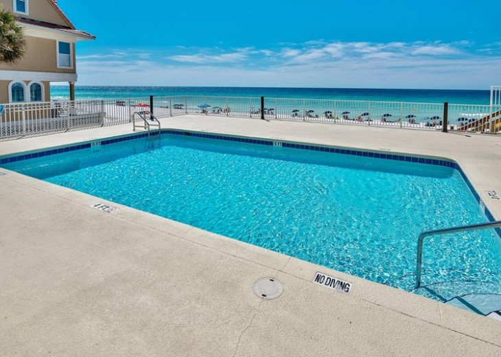 Prime Location Leeward Key 2 bdr. Sleeps 6 -2 pools One on Beach! #23