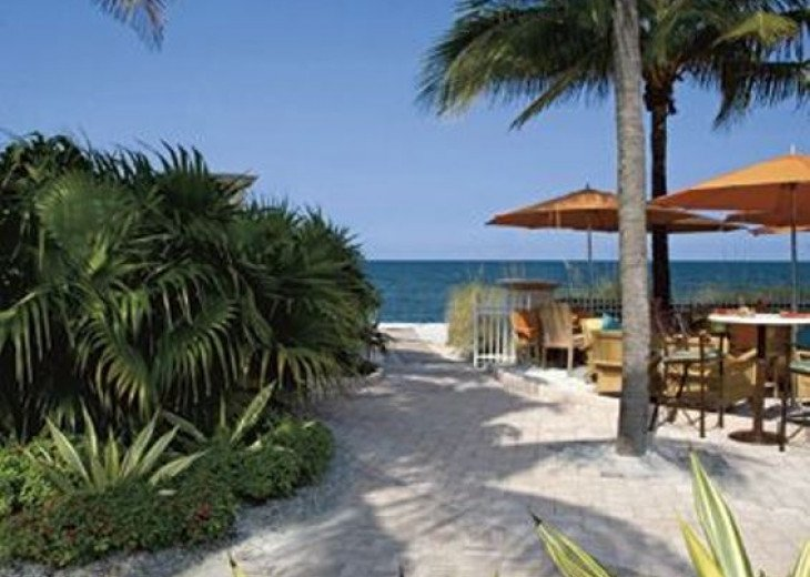 Key Biscayne FL. Ritz Carlton Ocean Front Hotel, 1 Bdr Suite double balcony #16