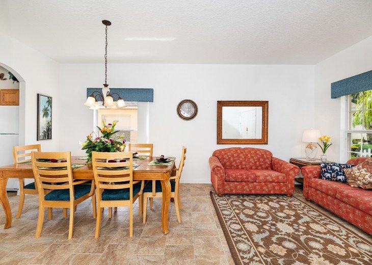 2 Master Bedrooms - Luxury 4 Bedroom Villa, South Facing Pool, Wifi & Smart TV's #9