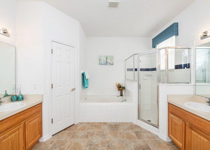 2 Master Bedrooms - Luxury 4 Bedroom Villa, South Facing Pool, Wifi & Smart TV's #17