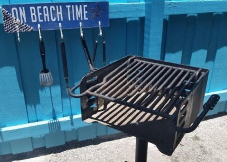 Charcoal BBQ grill, common area