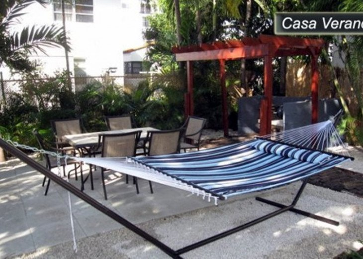 Large Miami Beach Unit with 7 beds/ Sleeps 12/Free Parking/Steps to the Beach! #23