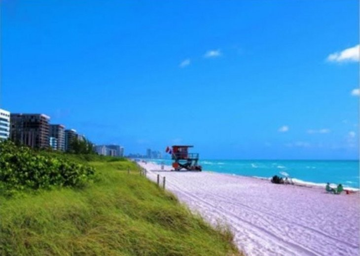 Large Miami Beach Unit with 7 beds/ Sleeps 12/Free Parking/Steps to the Beach! #6
