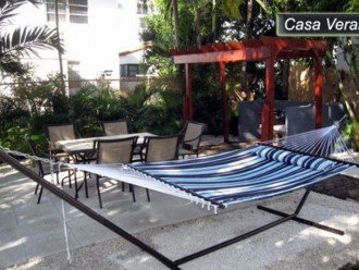 Large Miami Beach Unit with 7 beds/ Sleeps 12/Free Parking/Steps to the Beach! #1