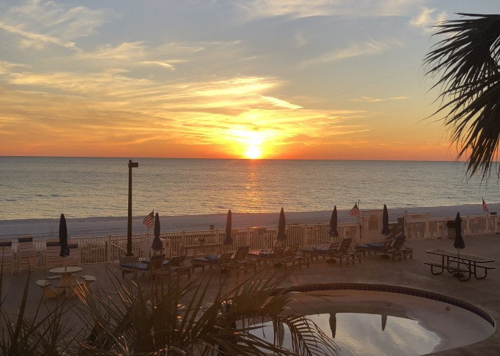 OCEAN FRONT BEAUTIFUL 1BR/2BR CONDOMINIUMS WITH FREE BEACH SVC. #20
